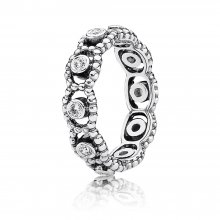 Anello Eternity in a